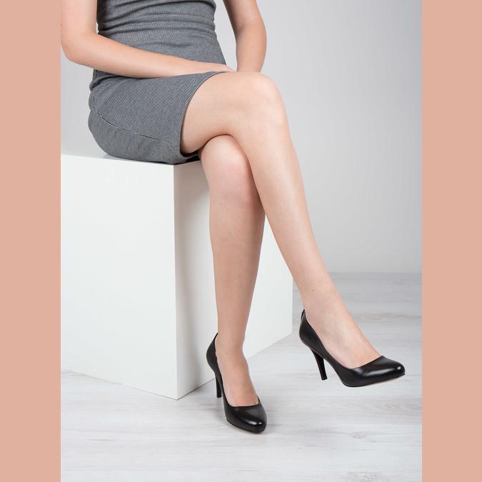 Ladies' leather pumps, black , 724-6649 - 18